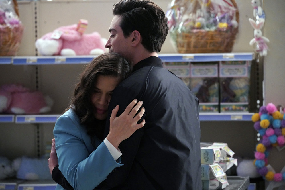 Superstore 6x01 Review